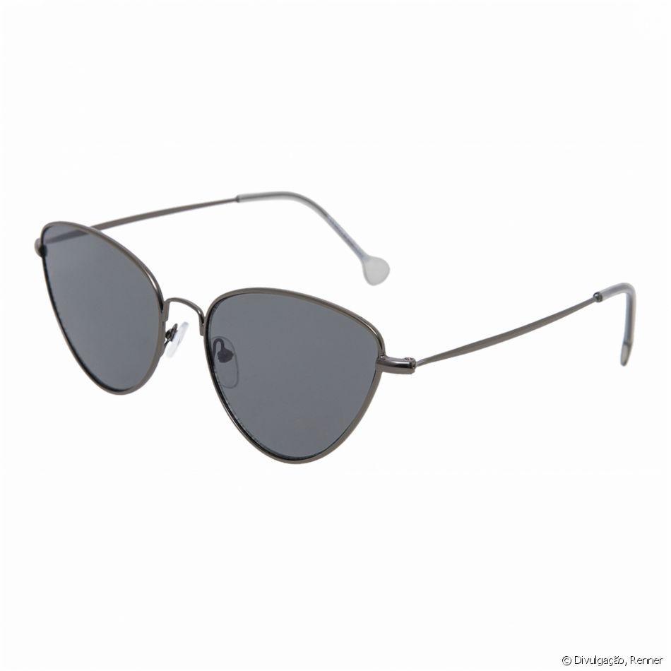 e3a4cb6dc23de Óculos retrô se destacam nas passarelas como tendência. Saiba escolher o seu!  Queridinhos das famosas, os óculos retrôs foram destaque na Semana de Moda  ...